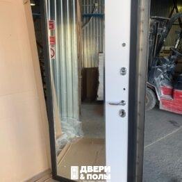 vhodnaj dveri grey s zerkalom bunker 5
